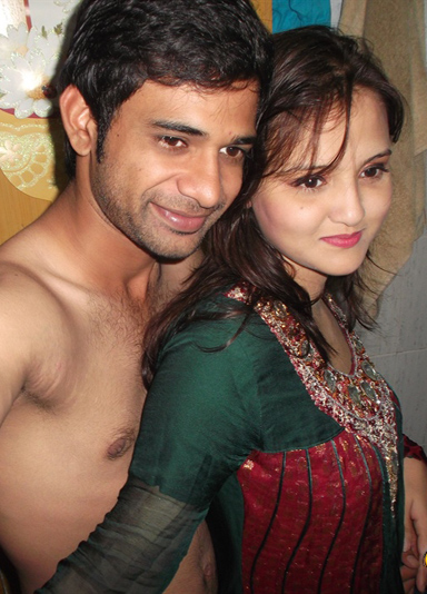 Adorable Hot Indian Couple Sunny & Sonia